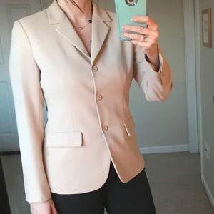 New York & Company beige blazer sz 6 like new!